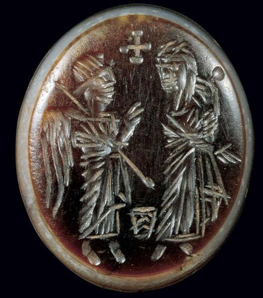 early Byzantine carved agate with the Virgin and Child