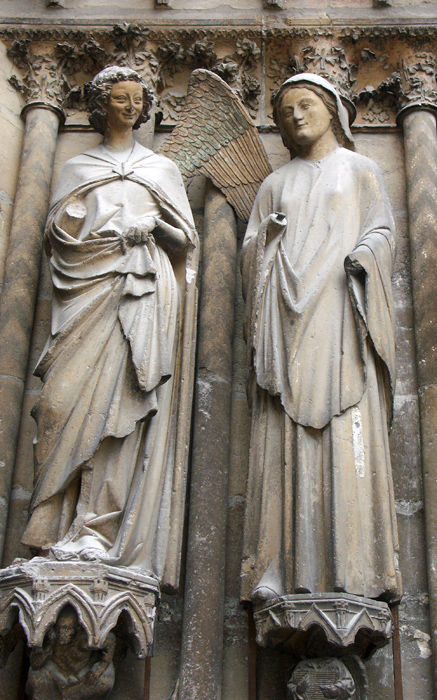 Sculptures of the archangel Gabriel and Virgin Mary